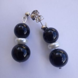 Onyx black pearl earrings with white flat rondelle