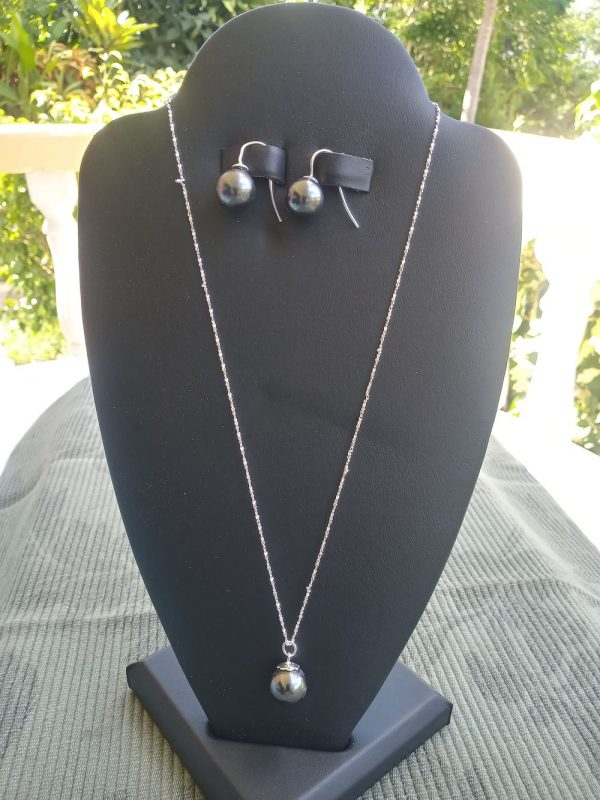 Sterling-Silver twisted chain Necklace with Swarovski black pearl pendant and matching earrings