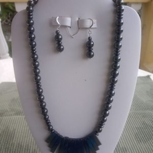 Metallic Hemalyke beaded necklace with fan-shaped design and matching earrings