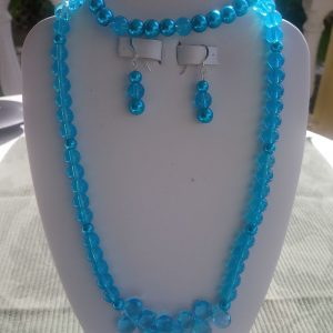Turquoise beaded necklace with matching earrings and bracelet